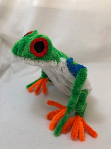 pipe cleaner tree frog 3