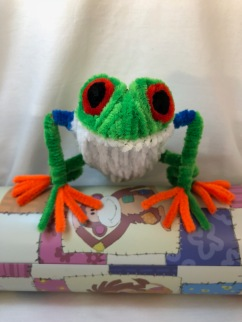 pipe cleaner tree frog front face to face