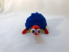 pipe cleaner turtle head on