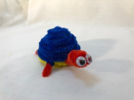 Pipe cleaner turtle face